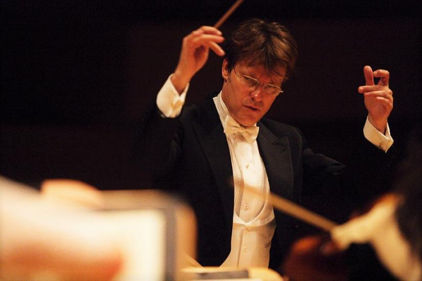 A whole life conducting orchestras around the world